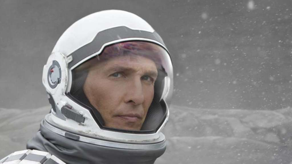Weltraumforscher Cooper (Matthew McConaughey) will mit seinem Team einen neuen, bewohnbaren Planeten finden. Foto: Melinda Sue Gordon/WARNER BROS. ENTERTAINMENT INC. AND PARAMOUNT PICTURES CORPORATION