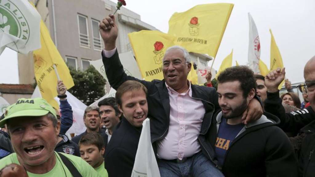 PS-Chef António Costa (M) bei einer Wahlkampfveranstaltung Ende September. Foto: Andre Kosters