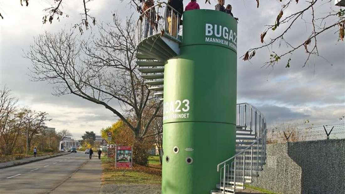Der neue grüne Aussichtsturm zur BUGA23 an den Spinelli Barracks.
