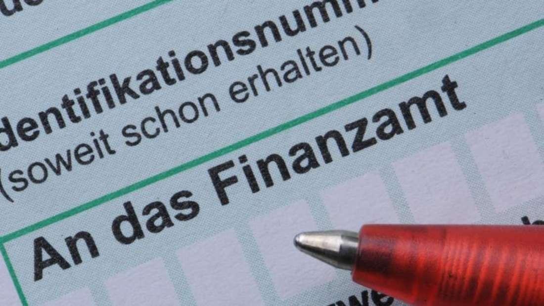 Für alle, die nicht arbeiten, aber dennoch Einkünfte haben, gelten ab 2016 neue Regeln für die Steuererklärung. Foto: Armin Weigel/Archiv