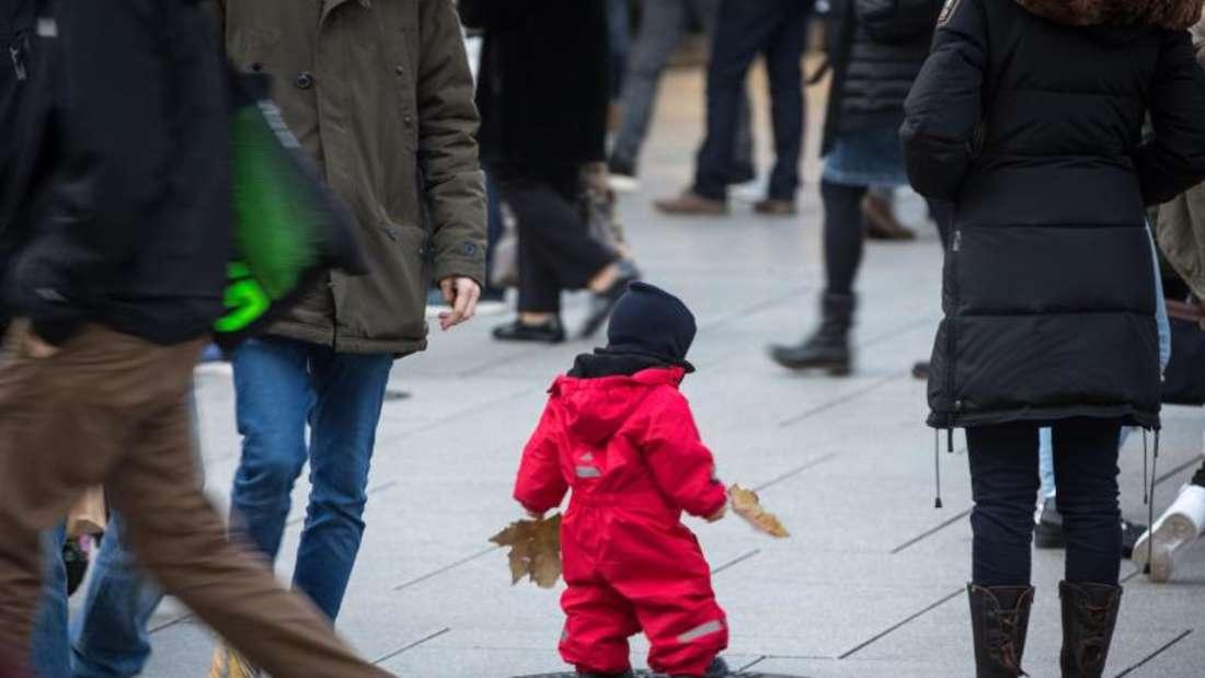Kindergeld, Kinderzuschlag und Kinderfreibetrag steigen leicht. Foto: Frank Rumpenhorst