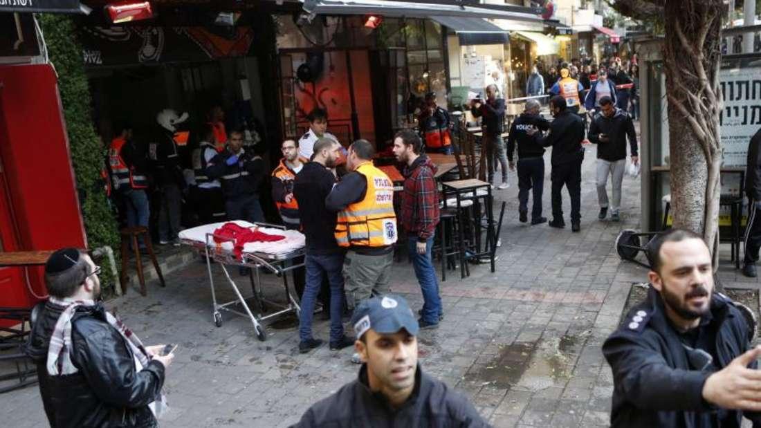 Ein israelischer Araber hat im Zentrum von Tel Aviv das Feuer eröffnet und auf Menschen in einer Bar geschossen. Zwei Menschen wurden getötet und mindestens sechs weitere verletzt. Foto:Tomer Appelbaum