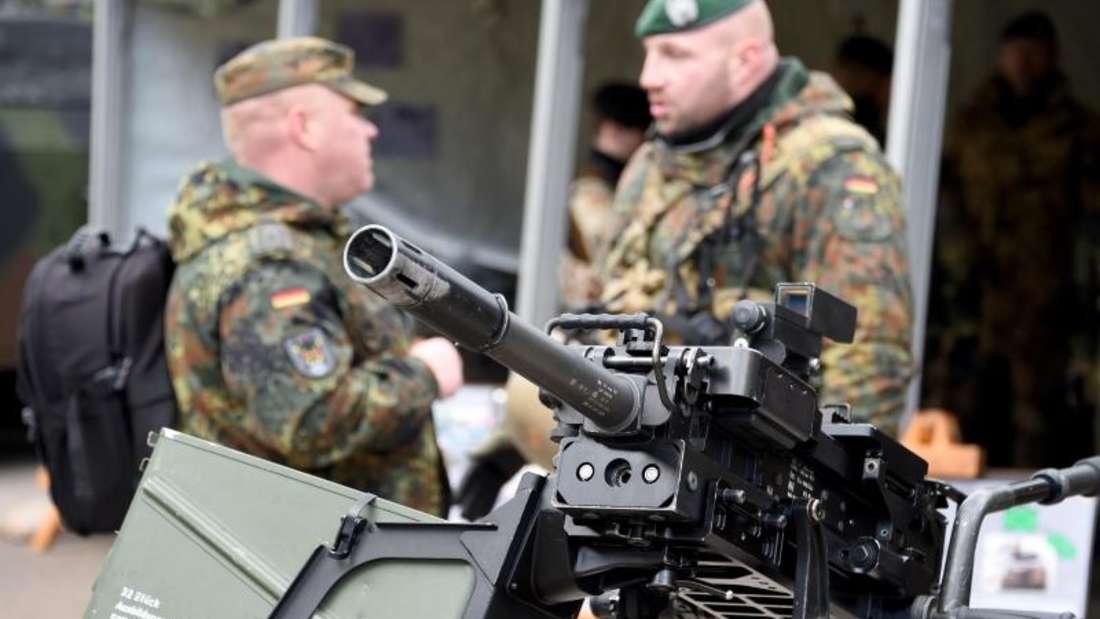 Kritiker befürchten, dass die Arbeit der Bundeswehr intransparenter werden könnte. Foto: Carsten Rehder/Symbolbild