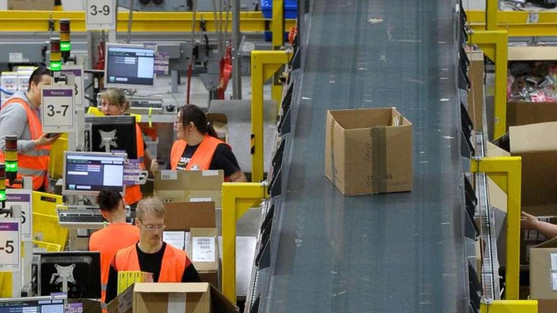 Blick in die Verpackungsebene des Amazon-Logistikzentrums. Foto: Peter Endig