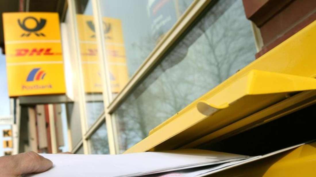 Von den bundesweit 110 000 Briefkästen werden derzeit 10 Prozent oder 11 000 am Sonntag von Postmitarbeitern geleert. Künftig sollen es viel weniger sein. Foto: Oliver Berg