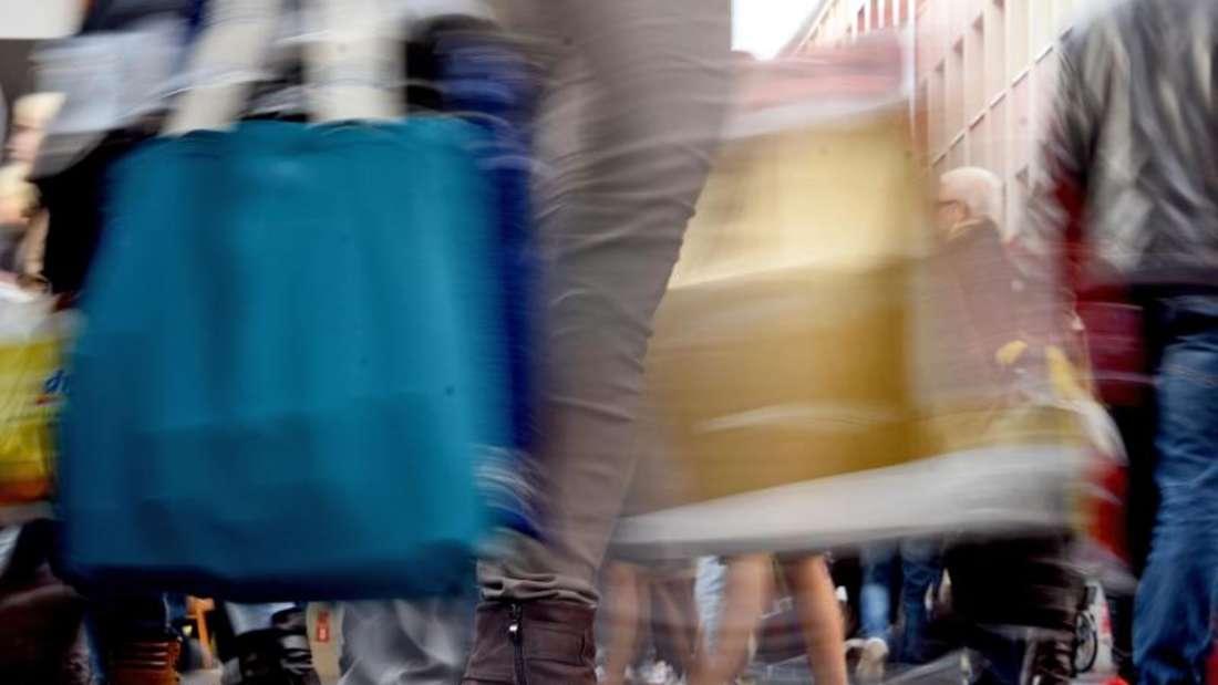 Zum Optimismus des Handels für 2016 trägt auch bei, dass es in diesem Jahr drei zusätzliche Verkaufstage gibt, weil Feiertage auf Sonntage fallen und der Februar 29 Tage hat. Foto: Henning Kaiser