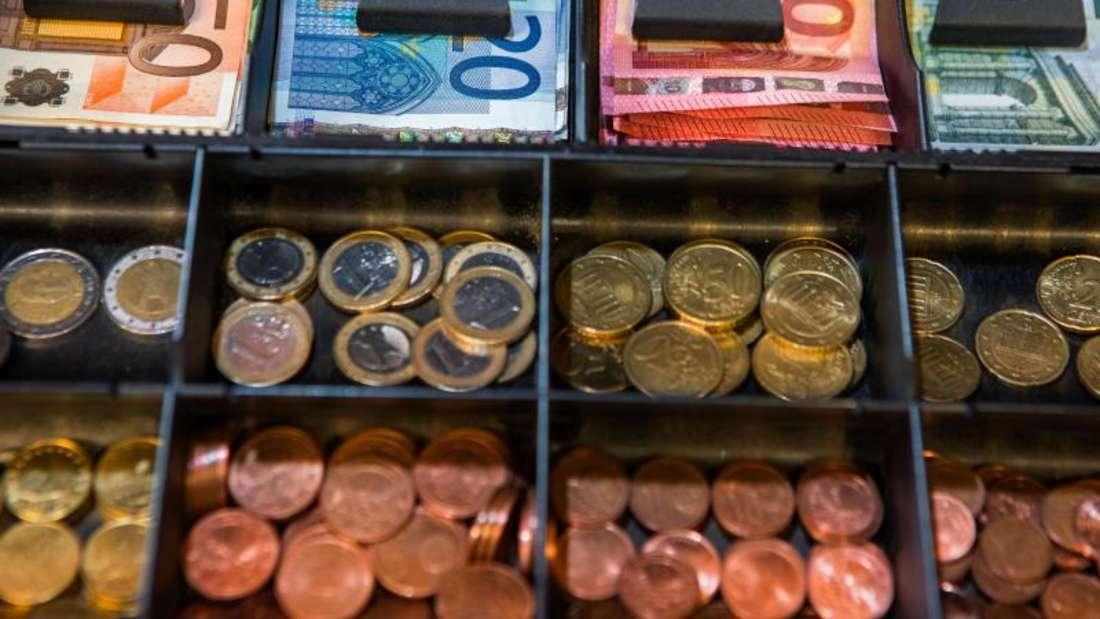 Viele Einzelhändler in der Kleinstadt Kleve haben genug von dem Kleinstgeld.Sie wollen es aus ihren Kassen verbannen. Vorbild sind die benachbarten Niederlande. Foto: Jens Buettner/Archiv/Symbolbild