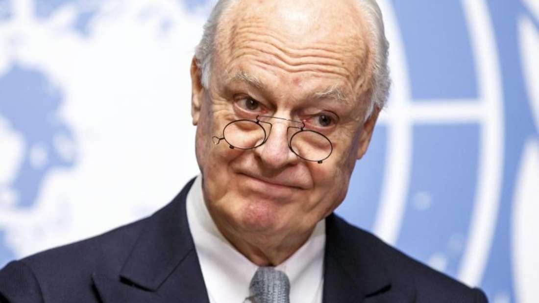 UN-Vermittler De Mistura ist um seinen Job nicht zu beneiden. Um das barbarische Töten in Syrien zu beenden, muss der Diplomat erst einmal die Sprachlosigkeit zwischen den Kriegsparteien überwinden. Foto: Salvatore di Nolfi