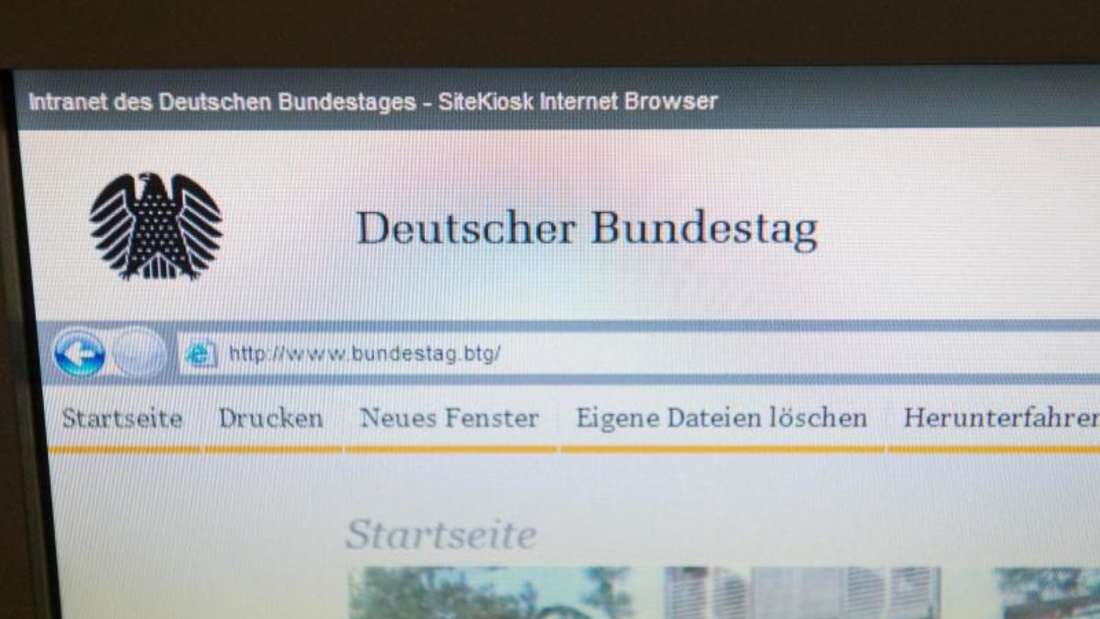 Mitte Mai 2015 war bekanntgeworden, dass Hacker einen Trojaner im Computersystem des Bundestags eingeschleust und große Mengen Daten abgezweigt hatten. Foto: Maurizio Gambarini/Archiv