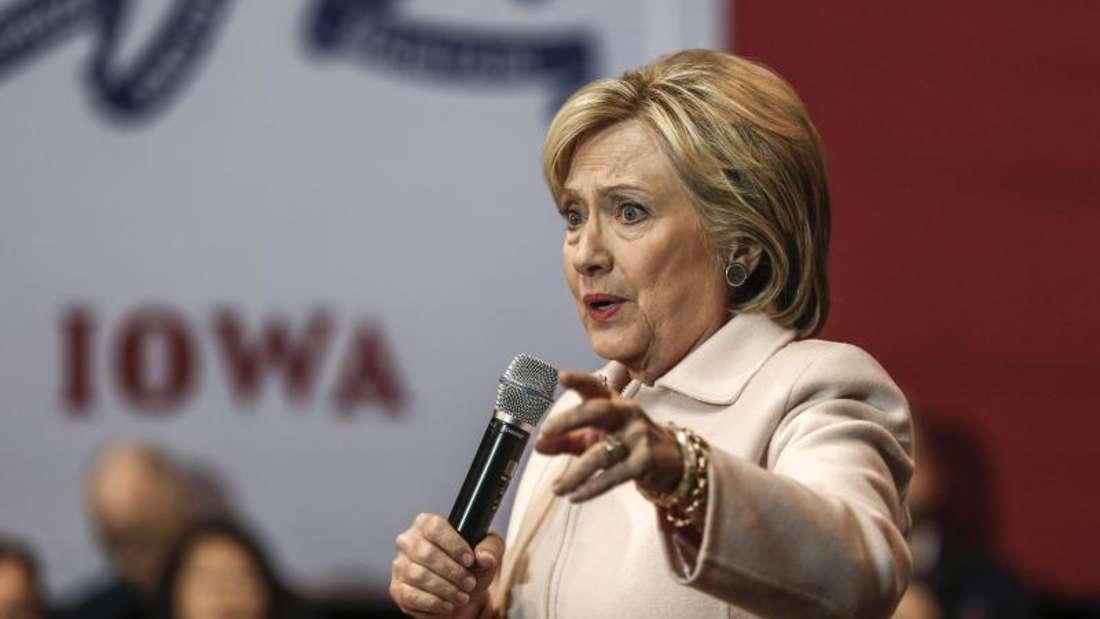 Noch nicht ausgestanden: Die E-Mail-Affäre um Hillary Clinton ist um ein Kapitel länger. Foto: Tannen Maury