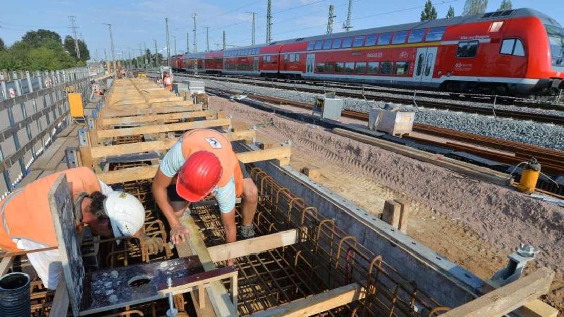 Die Deutsche Bahn will 2016 rund 850 Bauvorhaben umsetzen, im vergangenen Jahr waren es 500. Foto: Hendrik Schmidt