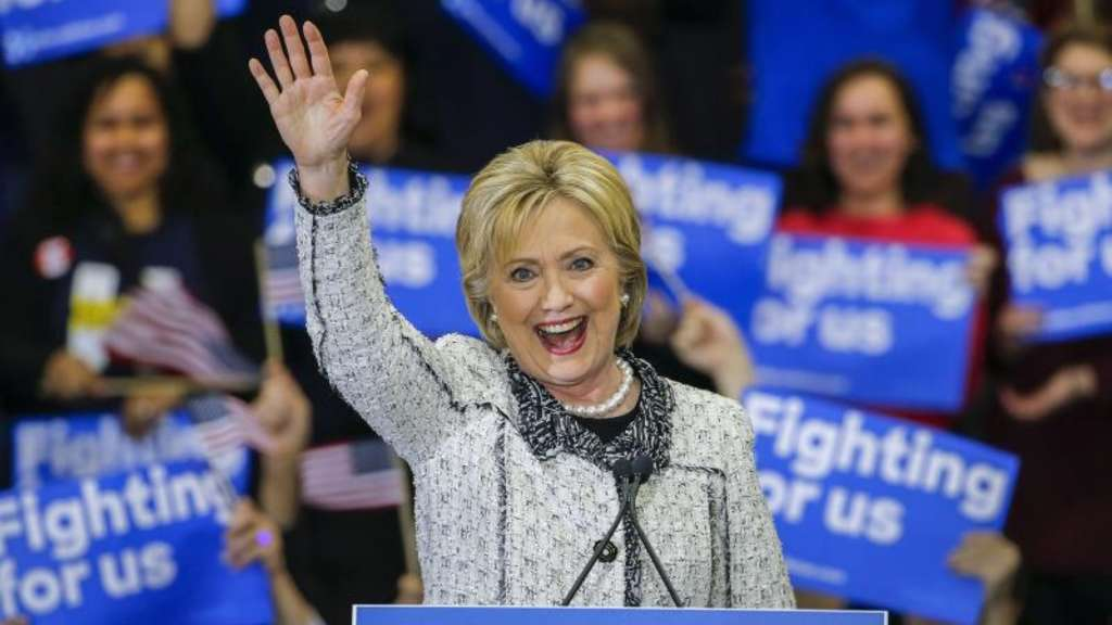 Hillary Clinton feiert ihren Sieg in South Carolina. Foto: Erik S. Lesser