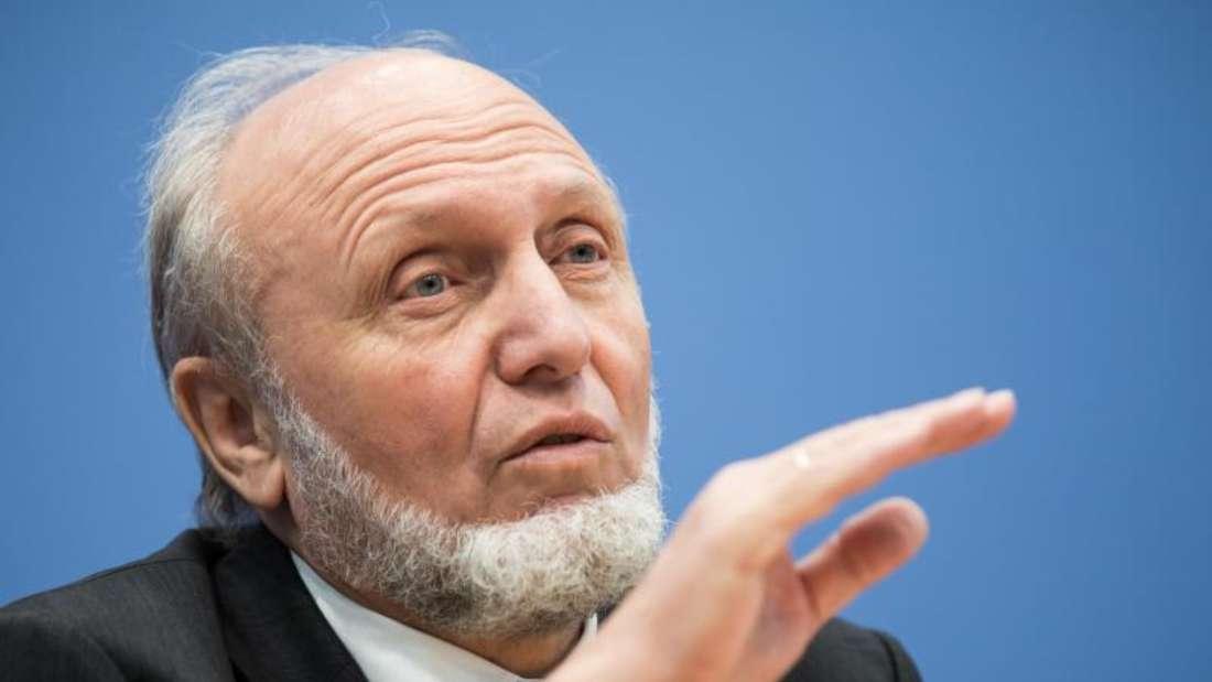 Ifo-Präsident Hans-Werner Sinn geht in den Ruhestand. Sein Nachfolger wird Clemens Fuest, bislang Präsident des Zentrums für Europäische Wirtschaftsforschung (ZEW). Foto: Michael Kappeler