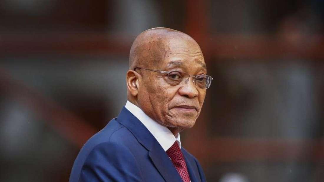 Der Swimmingpool sollte nur als Wasserreserve für die Feuerwehr dienen. Dieser Legende bereitet Südafrikas Verfassungsgericht endgültig ein Ende. Präsident Zuma wird vom Gericht hart gescholten. Foto: Nic Bothma