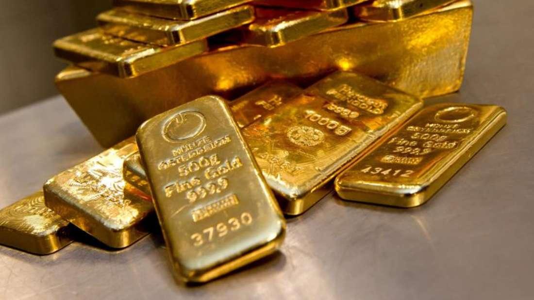 Händler erklärten den jüngsten Anstieg des Goldpreises unter anderem mit enttäuschenden Konjunkturdaten aus den USA. Foto: Sven Hoppe