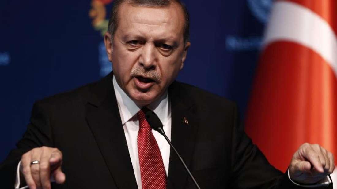Spricht sich sich strikt gegen Empfängnisverhütung in muslimischen Familien aus: Der türkische Staatspräsident Recep Tayyip Erdogan. Foto: Sedat Suna/Archiv