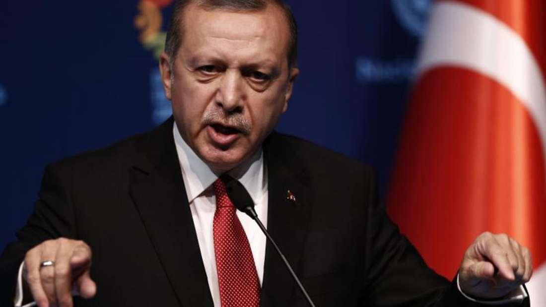 «Würde das zukünftige diplomatische, wirtschaftliche, geschäftliche, politische und militärische Beziehungen zwischen beiden Ländern schädigen»: Recep Tayyip Erdogan. Foto: Sedat Suna/Archiv