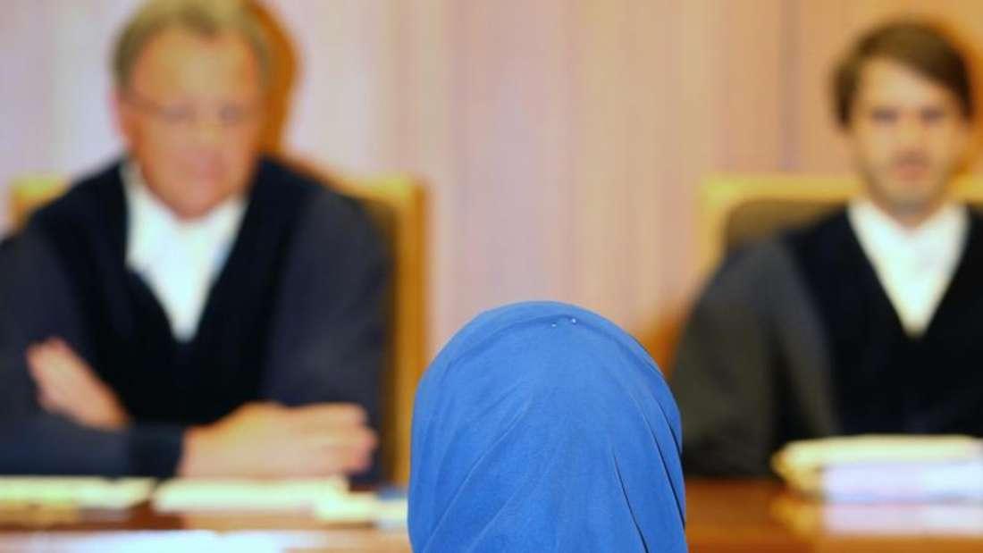 Das Verwaltungsgericht Augsburg hat am Donnerstag festgestellt, dass auch bayerischen Rechtsreferendarinnen das Kopftuch nicht untersagt werden darf. Foto: Karl-Josef Hildenbrand