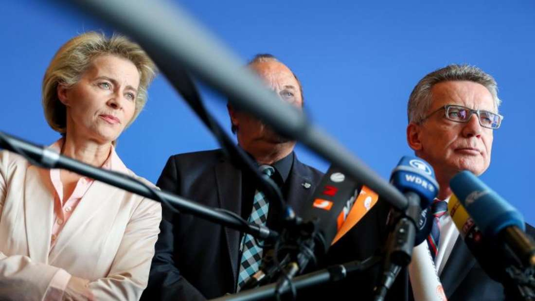 Verteidigungsministerin Ursula von der Leyen (L) und Bundesinnenminister Thomas de Maizière (CDU). Foto: Kay Nietfeld