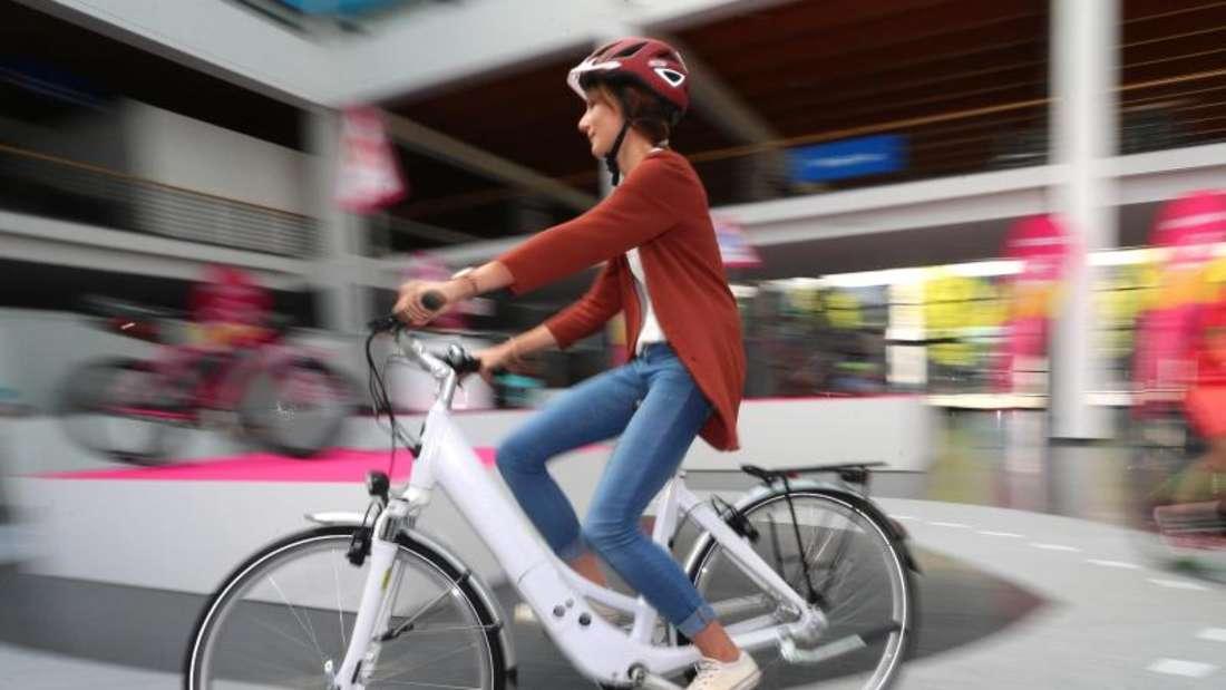 Die starke Nachfrage nach E-Bikes hat die Fahrradbranche belebt. Foto: Karl-Josef Hildenbrand