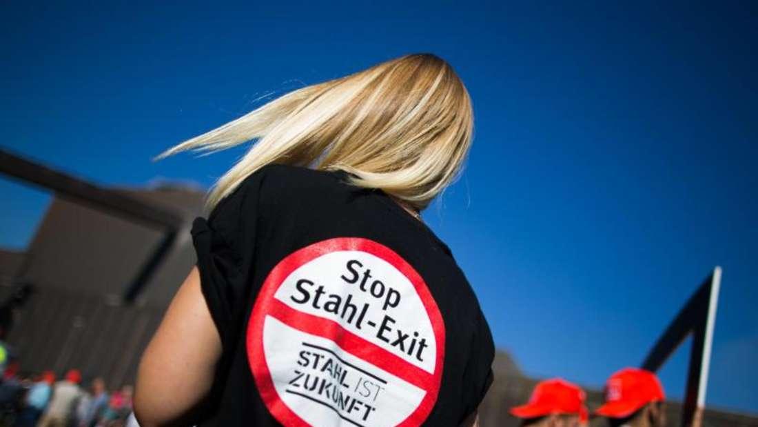 Beim deutschen Stahlprimus Thyssenkrupp gehen wieder tausende Beschäftigte auf die Straße. Sie haben Angst um ihre Arbeitsplätze. Foto: Rolf Vennenbernd