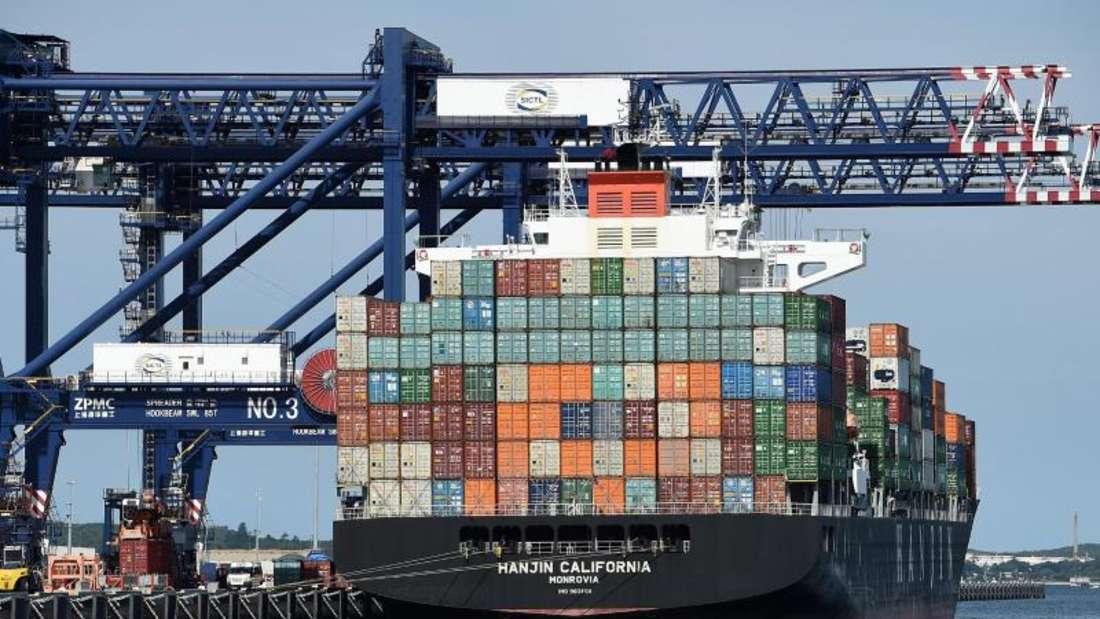 Das Containerschiff Hanjin California im Hafen von Sydney in Australien. Foto:Dan Himbrechts