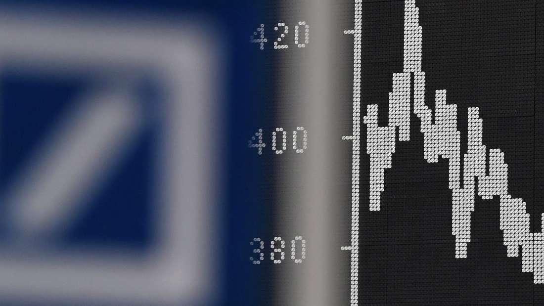 Die Aktie der Deutschen Bank stürzte ab auf ein Rekordtief.