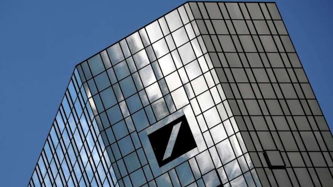 Die Schwierigkeiten für die Deutsche Bank hören nicht auf. Nun wird die Aktie in Mitleidenschaft gezogen. Foto: Andreas Arnold