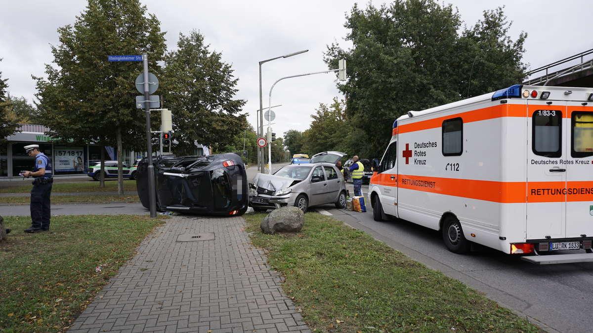 Ludwigshafen-Mundenheim: Dacia bleibt auf Seite liegen – Unfall an ...
