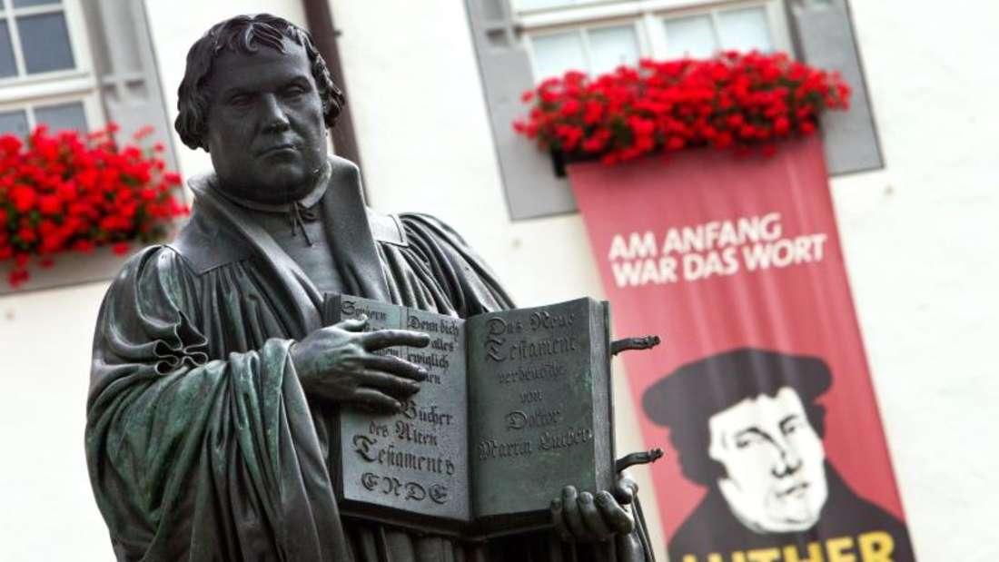 Die Evangelische Kirche in Deutschland erinnert ab heute mit Hunderten von Veranstaltungen an den Thesenanschlag Martin Luthers 1517 in Wittenberg. Foto: Jens Wolf