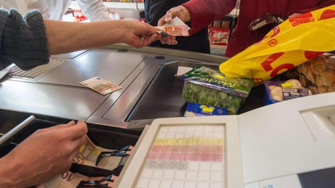 Der Preisauftrieb von Nahrungsmitteln schwächte sich unterdessen etwas ab. Foto: Armin Weigel