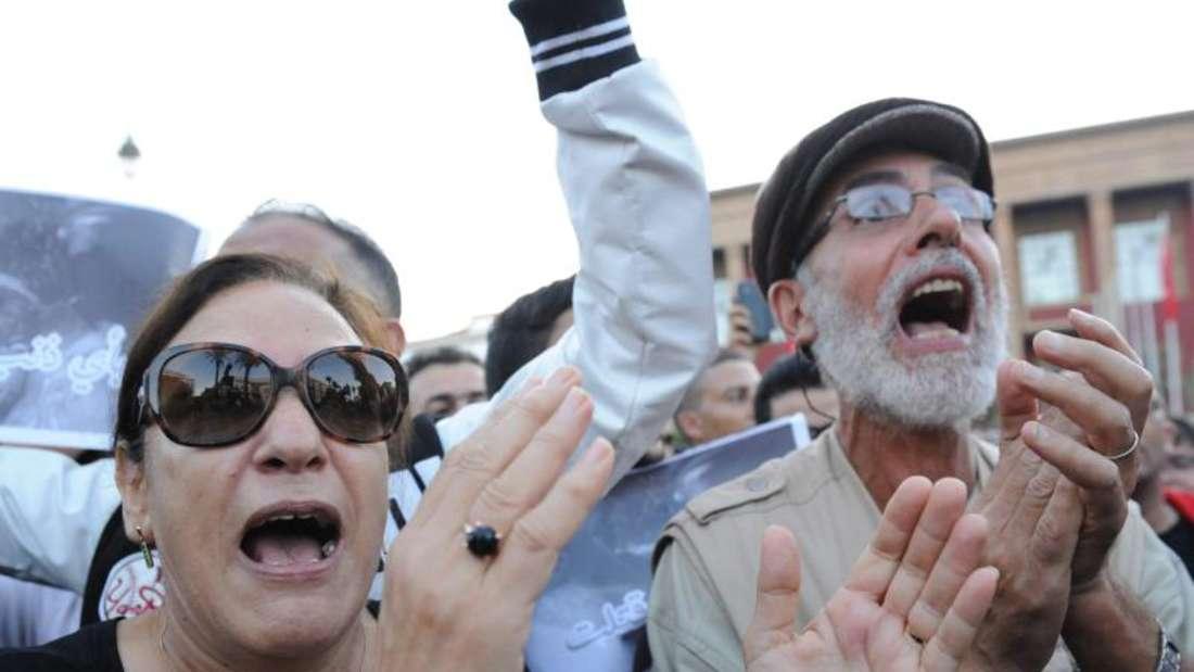 Die Spannungen setzen die Regierung des nordafrikanischen Landes unter Druck. Hier Entsetzte auf den Straßen vonRabat. Foto:Abdelhak Senna
