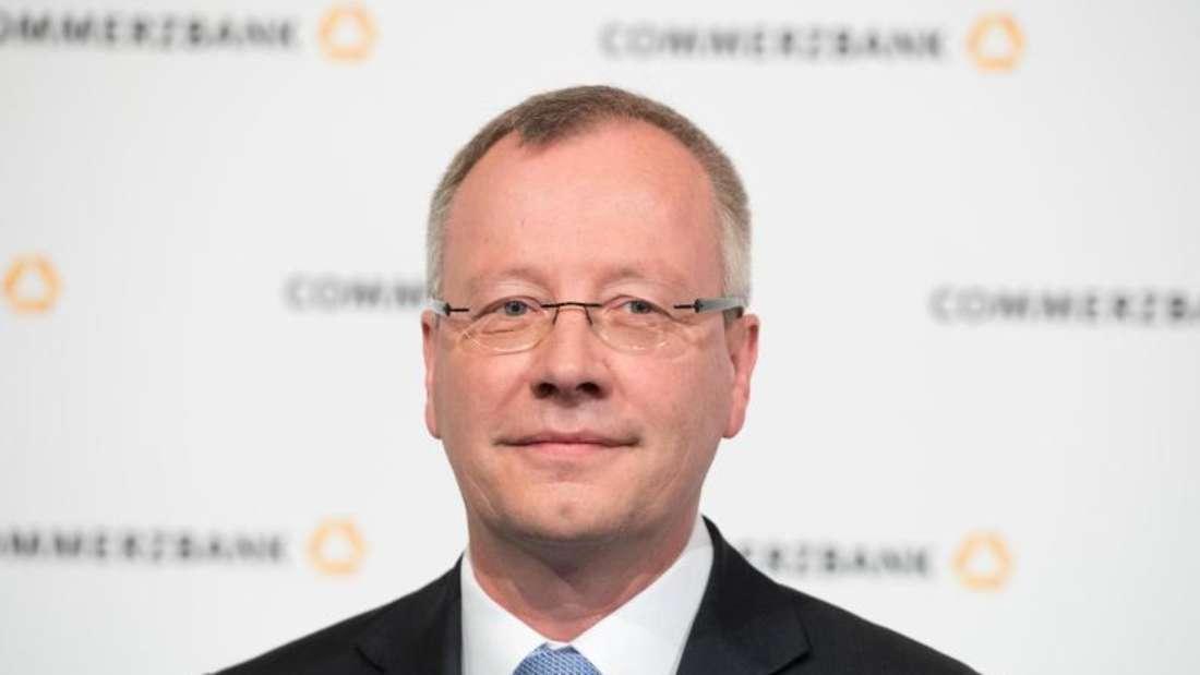Commerzbank-Chef Michael Mandel blickt zuversichtlich in das Jahr 2017. Foto:Arne Dedert