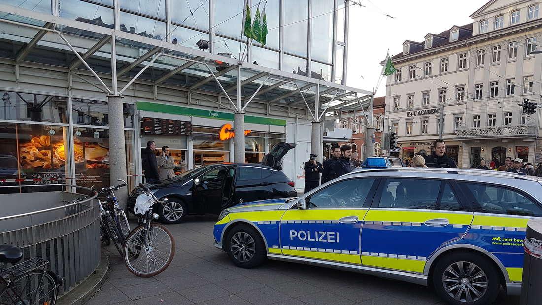 Massives Polizeiaufgebot am Bismarckplatz.