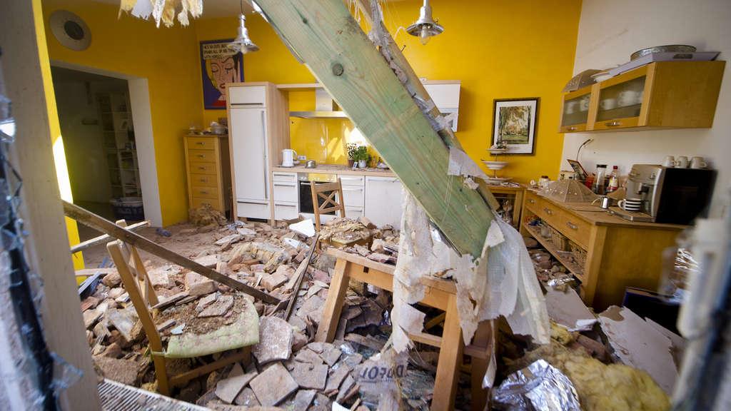 Ludwigshafen West Familienvater Schlagt Neue Einbaukuche Kurz Und