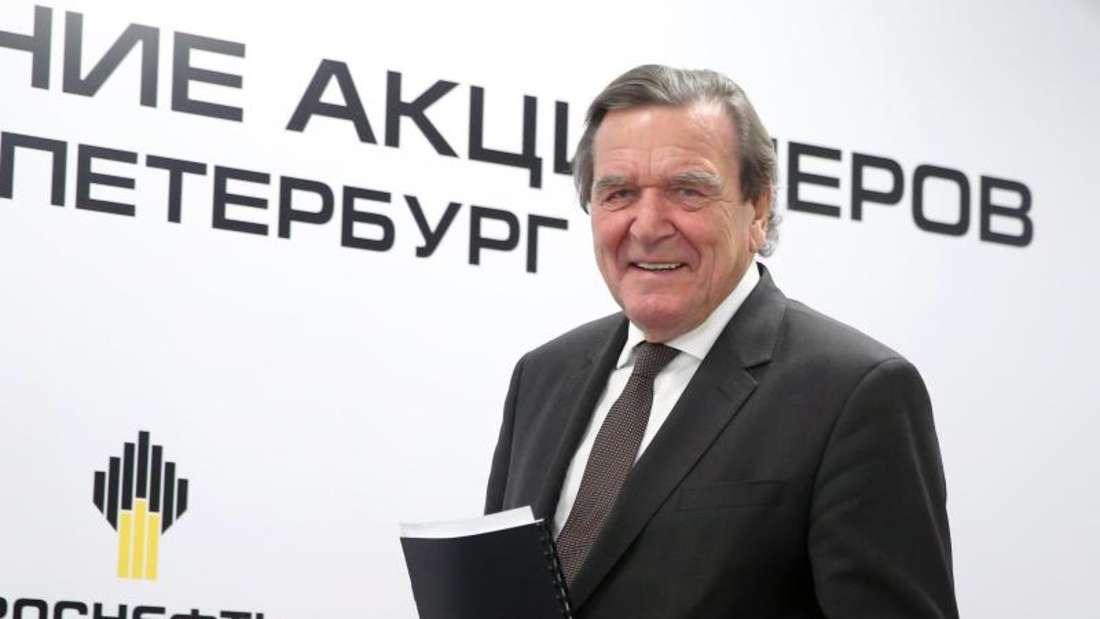 Der neue Rosneft-Aufsichtratschef Gerhard Schröder bei einer Pressekonferenz in St. Petersburg. Foto:Peter Kovalev/TASS
