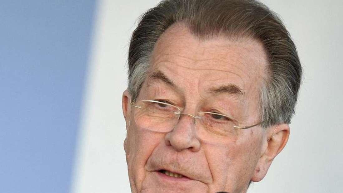 Der ehemalige SPD-Chef Franz Müntefering meldete sich wie auch Gerhard Schröder und Klaus von Dohnanyi zu Wort. Foto: Bernd von Jutrczenka