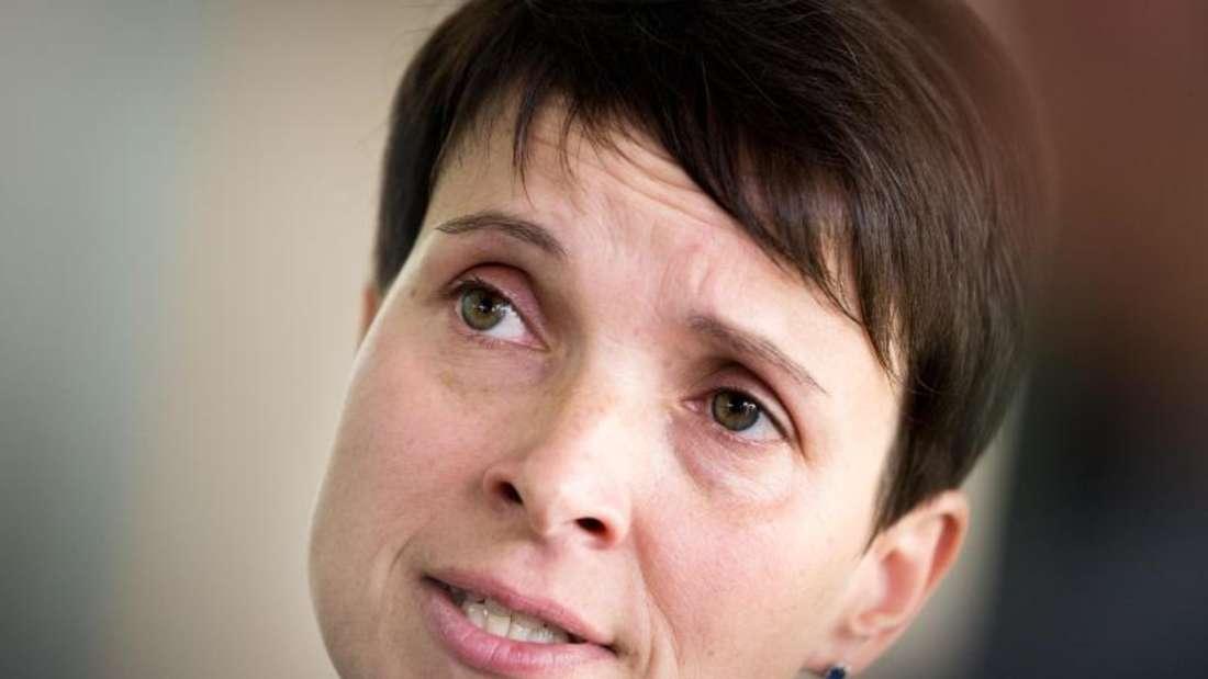 Frauke Petry am Dienstag bei einer Pressekonferenz in Dresden.Foto: Monika Skolimowska