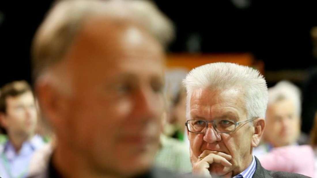 Jürgen Trittin (l) und Winfried Kretschmann gehören zum 14-köpfigen Sondierungsteam. Foto: Kay Nietfeld