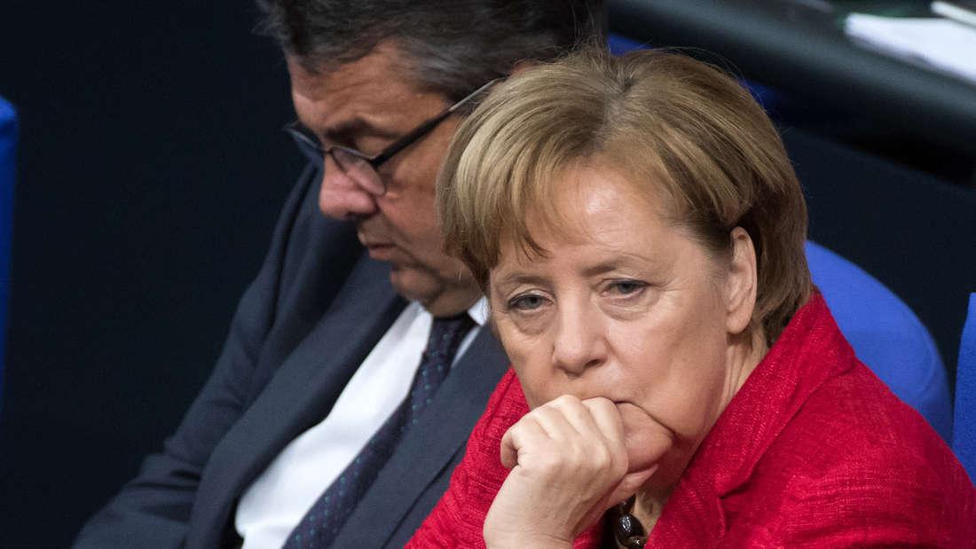 Angela Merkel (CDU) und Sigmar Gabriel (SPD) während einer Sitzung des Parlaments.