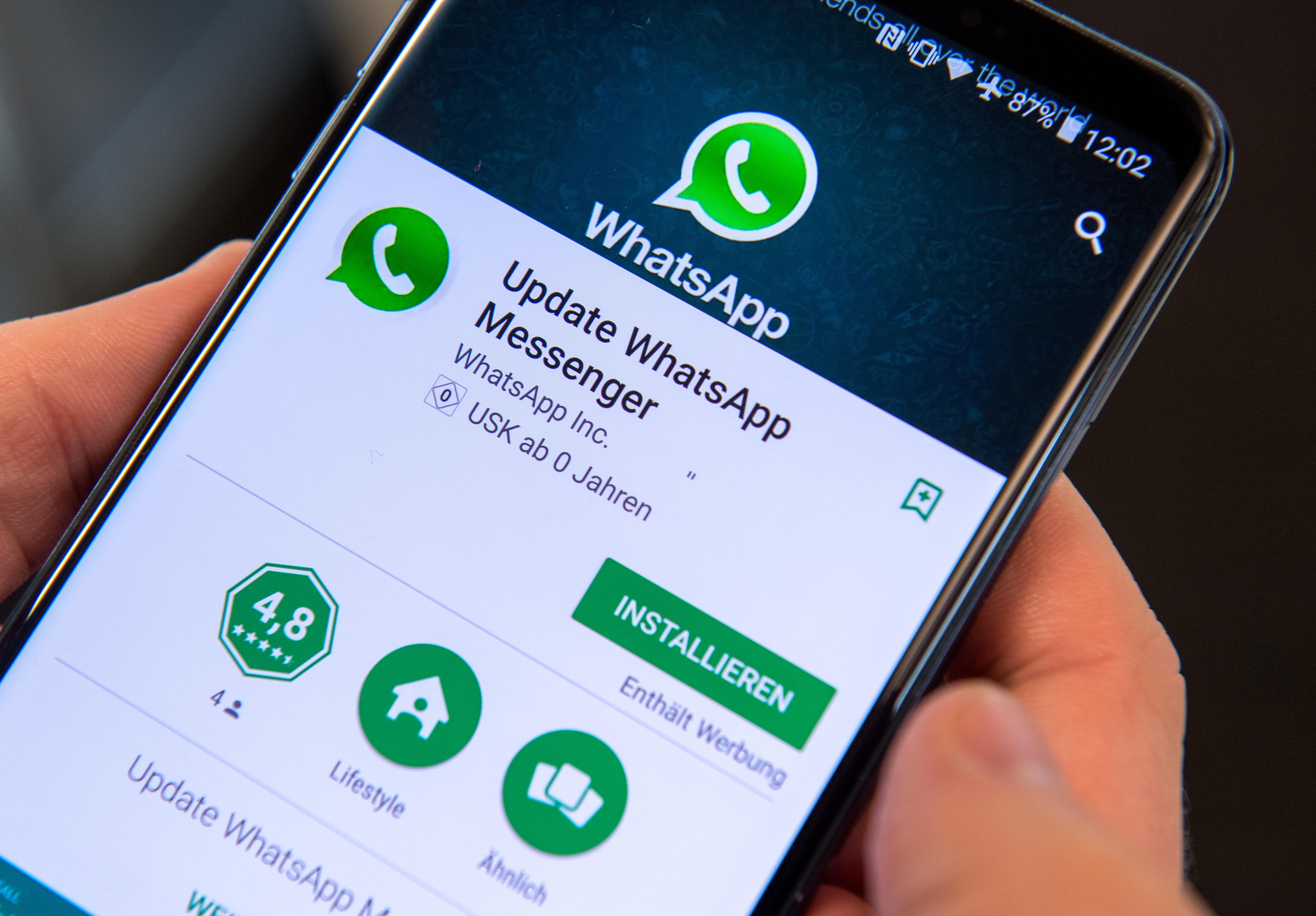 524618175-whatsapp-facebook-anruf-gruppe-chat.jpg