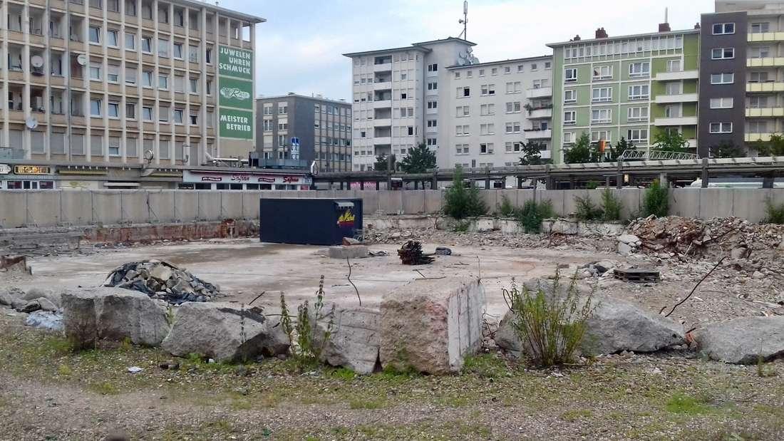 Bei der 'Germanys ugliest City-Tour' werden die häßlichsten Seiten von Ludwigshafen gezeigt.