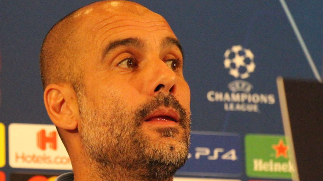 Pep Guardiola und Vincent Kompany bei der Pressekonferenz vor dem Champions-League-Spiel gegen Hoffenheim.