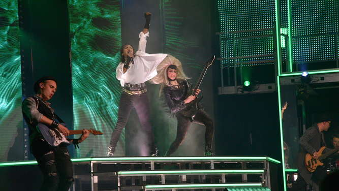 """Beat It!"": Musical über den ""King of Pop"" im Rosengarten"