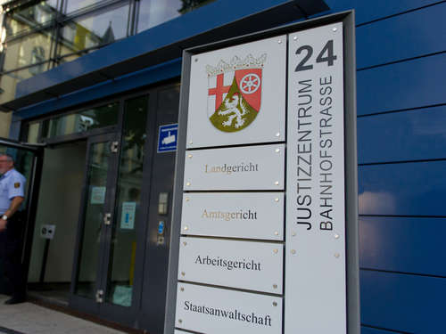 Urteil in Kaiserslautern: Mutter wollte Sohn (13) umbringen!
