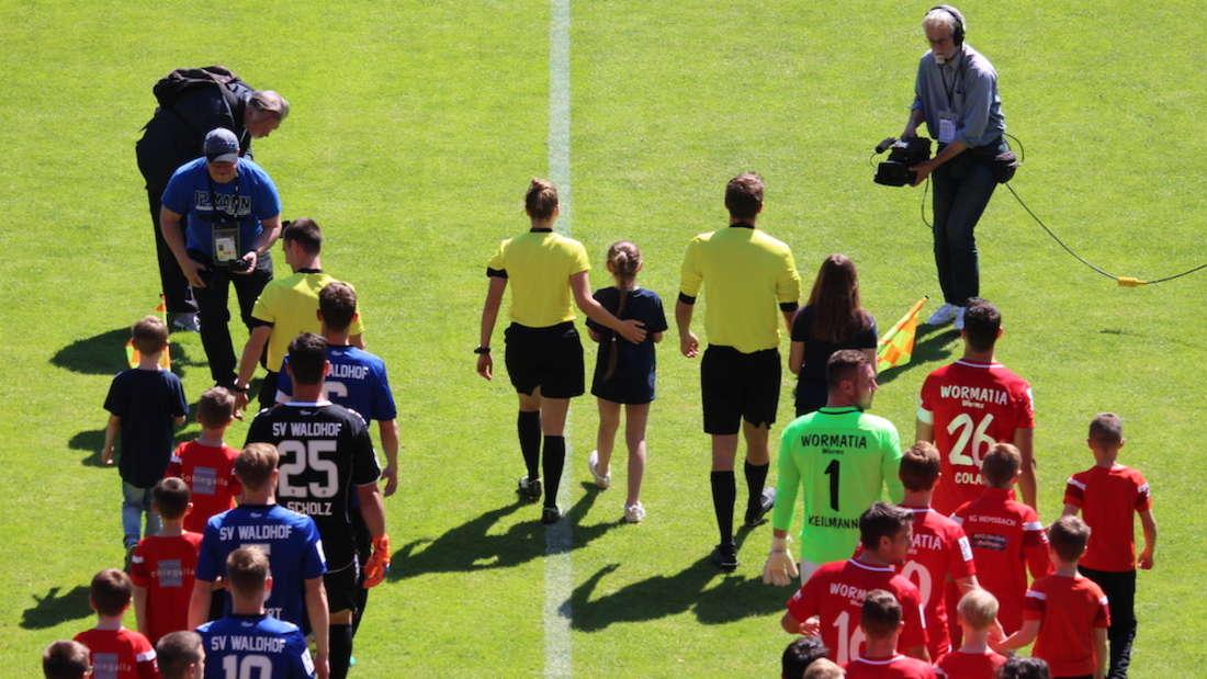 SV Waldhof Mannheim - Wormatia Worms im Carl-Benz-Stadion