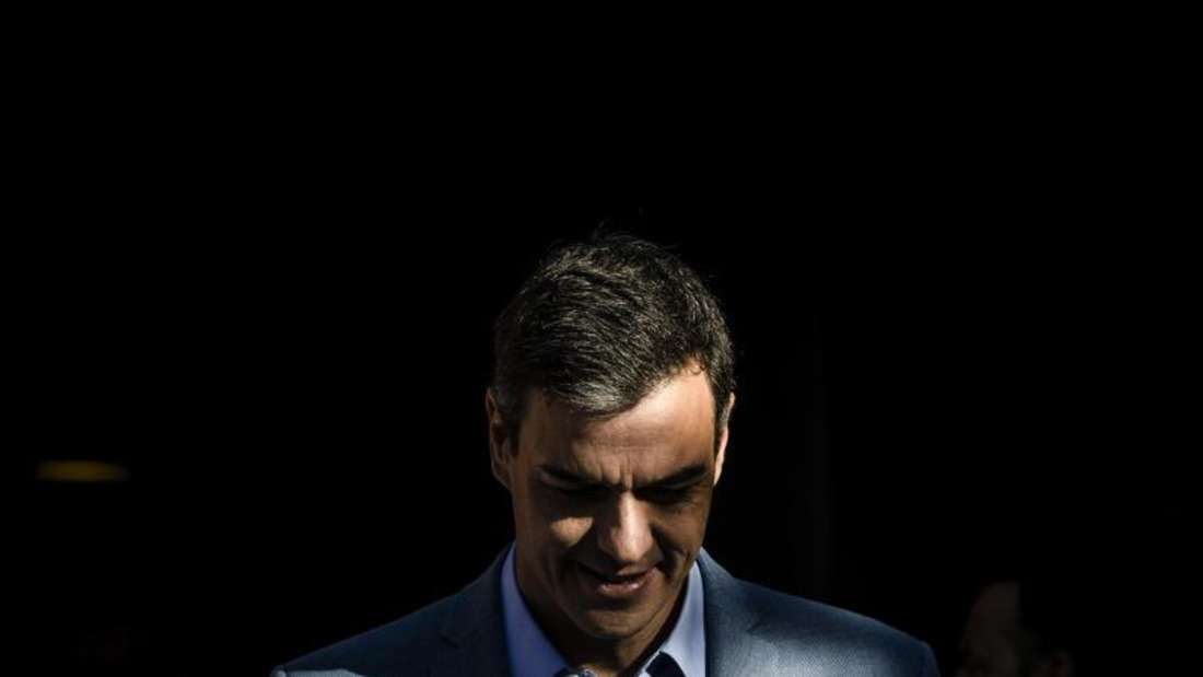 Pedro Sánchez hat wieder einmal seinem Image als Stehaufmännchen alle Ehre gemacht. Foto: Bernat Armangue/AP
