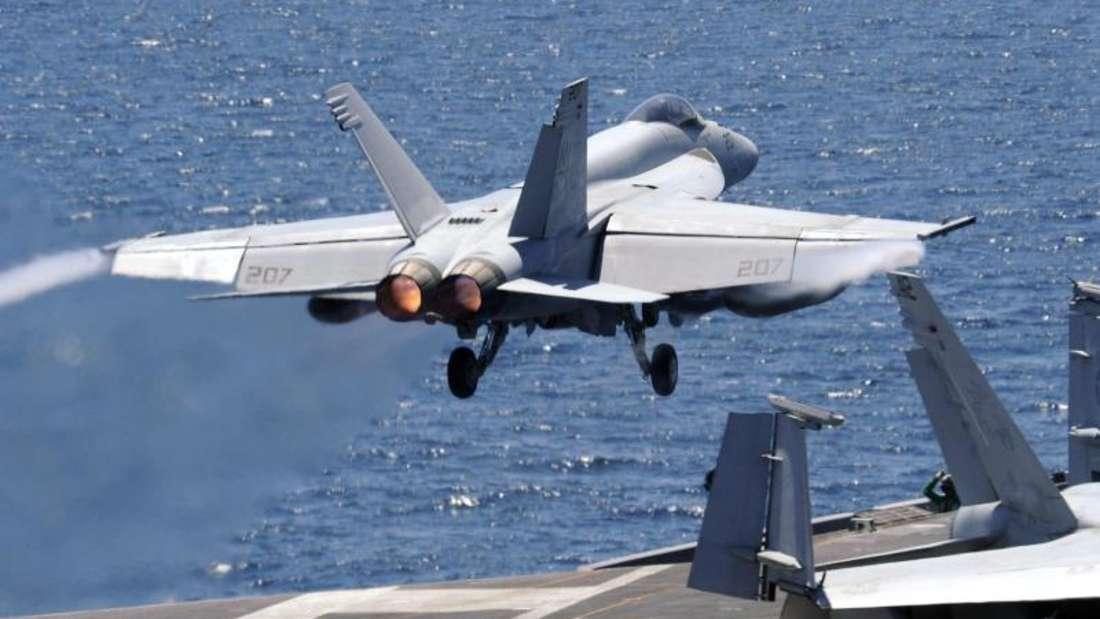 Ein US-Kampfflugzeug startet vom Flugzeugträger «USS George Washington». Foto: Song Kyeong-Seok/Pool/Kyodo News