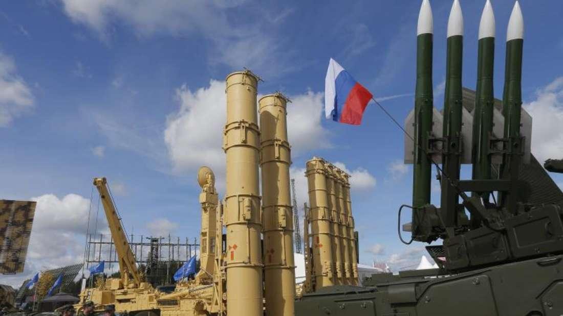 Russische Raketentechnik bei einem Forum zur Militärtechnik. Foto:Sergei Ilnitsky/EPA