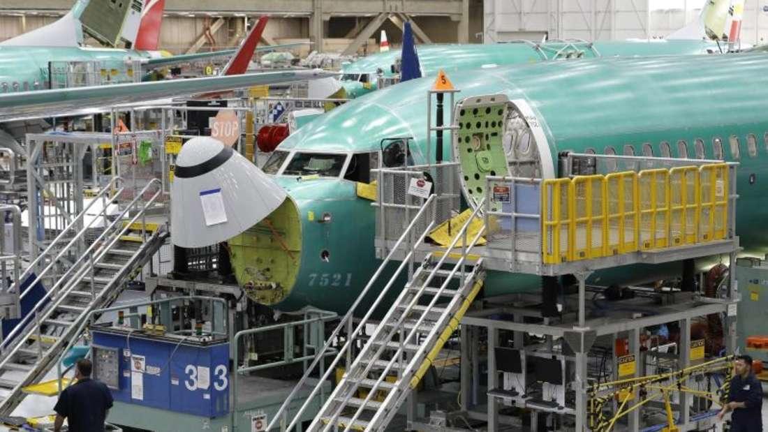 Bau einer 737 Max 8 im Boeing-Werk Renton im US-Staat Washington. Foto: Ted S. Warren/AP